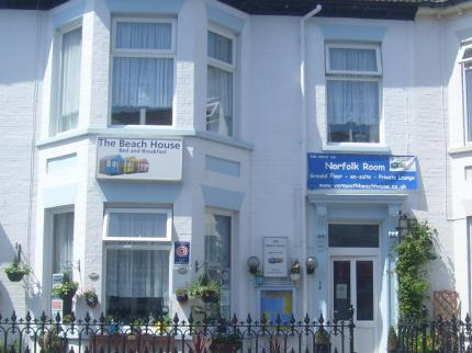 book at Beach-House-Guest-House-Great-Yarmouth-Norfolk