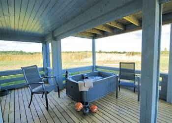 book a Hot-tub-Holiday-Cottage-Great-Yarmouth-Norfolk