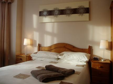 book at Tudor-House-Guest-House-Great-Yarmouth-Norfolk