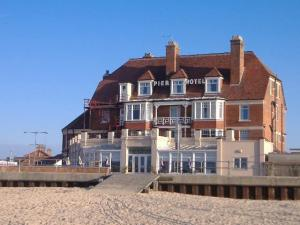 book yarmouth hotels