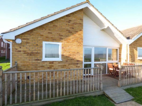 Seas the Day With Ocean View Cottage in Great Yarmouth